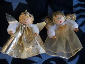2つの天使の人形